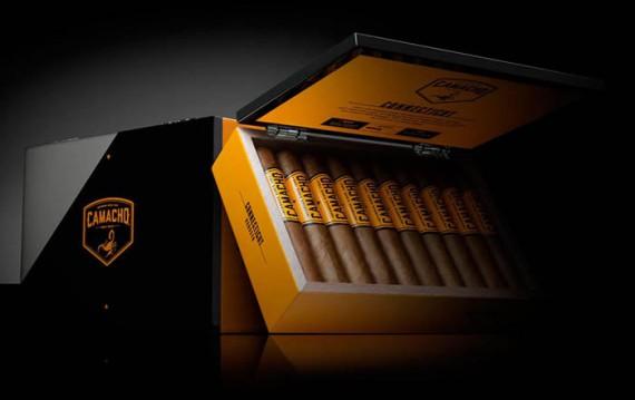 Zigarre des Monats  Camacho Conneticut Robusto  4er / 20er - mit Zusatzrabatt