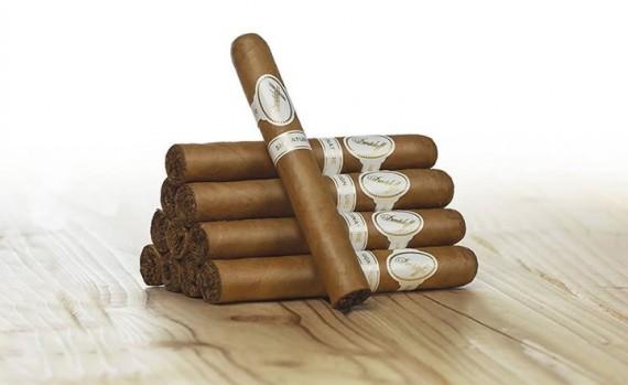 Zigarre des Monats  Davidoff Signature 2000   Mit Zusatzrabatt